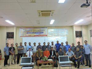 Foto bersama Pimpinan Fakultas, Jurusan Matematika, Narasumber dan para peserta laki-laki