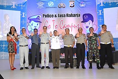 Police and Jasa Raharja Goes To Campus